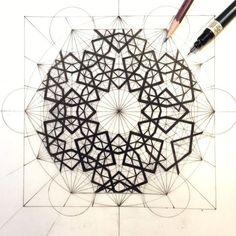 "Rafael Araujo on Instagram: ""GEOMETRY.  www.rafael-araujo.com"" Sacred Geometry Patterns, Geometry Art, Moroccan Art, Turkish Art, Islamic Art Pattern, Pattern Art, Monalisa, Geometric Drawing, Spirograph"