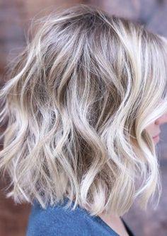 Hair, blonde hair with highlights, blonde lob, short blonde, beachy blonde hair Medium Shaggy Hairstyles, Choppy Bob Haircuts, Shag Hairstyles, Latest Hairstyles, Beach Hairstyles, Layered Haircuts, Medium Shaggy Bob, Haircut Medium, 1940s Hairstyles