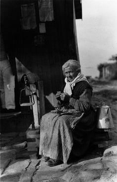 Tecendo un mantón de la. Vilagarcía, Pontevedra, 1924. Fotos antiguas de Galicia