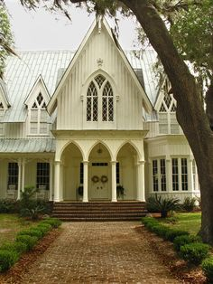 Rose Hill Mansion, Bluffton SC...perfect for weddings ....hmmm??! Lol
