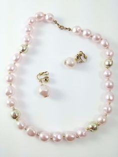 """Vintage 50s 60s Pink Faux Pearl 16"""" Necklace Earring Set Demi Parure"""