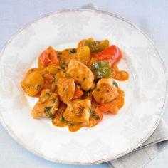 Hähnchen-Paprika-Gulasch ⎜ 348 kcal, 39 g Eiweiß, 15 g Fett, 11 g KH