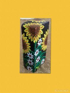 Flowers painted on a brick by Linda Hallett. Painted Bricks Crafts, Brick Crafts, Painted Pavers, Painted Rocks Kids, Stone Crafts, Cement Pavers, Painted Houses, Brick Pavers, Painted Stones