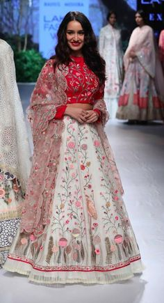 Rahul Mishra for Project Eve - Lakme Fashion Week - AW 17 - 11 Indian Bridesmaid Dresses, Indian Gowns Dresses, Indian Fashion Dresses, Indian Designer Outfits, Indian Outfits, India Fashion Week, Lakme Fashion Week, Designer Bridal Lehenga, Lehnga Dress