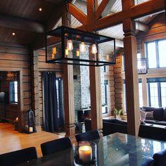 #laftekompaniet #laftehytte #tømmerhytte #høystandard #timberframe #utno #vakrehjemoginteriør #loghouse Log Homes, Cabana, House Design, Architecture, Outdoor Decor, Instagram Posts, Home Decor, Mountains, Wood Cabins
