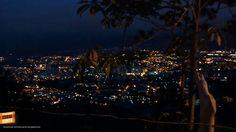 Bucaramanga a la distancia a primeras horas de la madrugada. Gracias Cesar Morales (http://on.fb.me/1Ls9tIW) por la foto #amanecerBUC