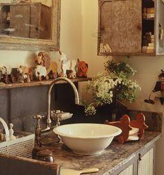 beverly_drive_06-vintage-bathroom