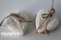 Altijd al eens zelf zeep willen maken? Met dit eenvoudige recept met slechts 3 ingrediënten kun jij het ook! #DIY #Soap