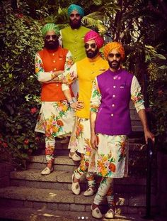 22 Stylish Mehndi Dresses for Men is part of Mehndi outfit - Latest trends in Beauty, Fashion, Indian outfit ideas, Wedding style on your mind We have something for you! Wedding Kurta For Men, Wedding Dresses Men Indian, Wedding Dress Men, Wedding Wear, Wedding Suits, Summer Wedding Clothes For Men, Wedding Mehndi, Bridal Dresses, Mehndi Outfit