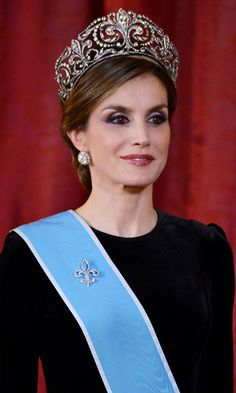 Queen Letizia dazzled wearing the Fleur de Lys tiara for the first time at a gala dinner in Madrid, Spain held for Argentina's first couple. <br><p>Photo: © Borja Benito/Pool/Getty Images