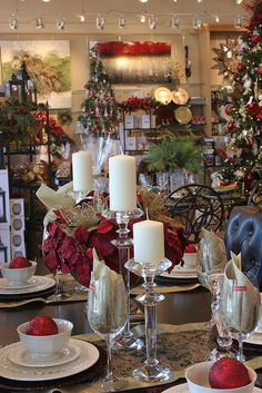 Last Trending Get all images canada decor stores Viral d d afc ac c ee a Xmas Theme, Christmas Tablescapes, Home Decor Store, Visual Merchandising, Party Themes, Christmas Crafts, Candles, Table Decorations, Holiday Decor