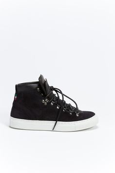 Mid-Top lace up sneaker. Gusseted leather tongue with padding to keep water out. Winter Sale, Lace Tops, High Top Sneakers, Converse, Leather, Shoes, Zapatos, Shoes Outlet, Shoe