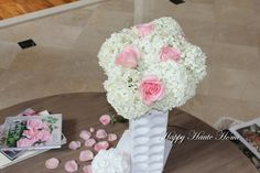 More lovely Annabelle Hydrangeas from the garden grace the main foyer entrance table.