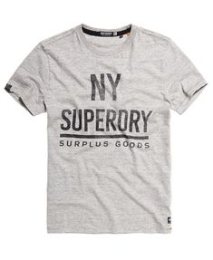 Superdry Surplus Goods Graphic T-shirt - Herrer T-shirts Superdry Style, Superdry Mens, Design T Shirt, Shirt Designs, T-shirt Slogan, Stencil Printing, Basic Outfits, Swagg, Streetwear Fashion