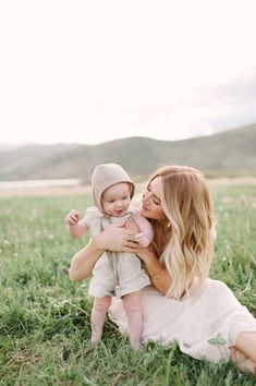 Photography full of love and more love. Birthday Girl Pictures, Baby Pictures, Baby Photos, Couple With Baby, Family Photos With Baby, Mother And Baby, Mom And Baby, Children Photography, Newborn Photography