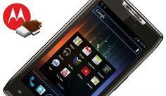Motorola Razr: posticipato l'aggiornamento ad Android Ice Cream Sandwich in Italia!  #Android #Smartphone #Tablet #Samsung #Nexus #HTC www.chimerarevo.com Il sito di tecnologia senza peli sulla lingua. Recensioni e news su internet, smartphone, tablet e tendenze tech. Seguici anche su: YouTube: http://www.youtube.com/user/ChimeraRevo Twitter: https://twitter.com/chimerarevo Google+: https://plus.google.com/+chimerarevo/posts