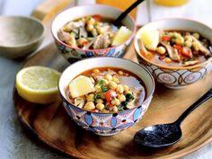 Soupe libanaise aux pois chiches, poulet et citron