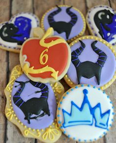 Posts about Disney Descendants written by Laurie 2 Birthday Cake, 9th Birthday Parties, Birthday Cookies, Mary Birthday, Birthday Ideas, Pasteles Halloween, Villains Party, Disney Decendants, Disney Cookies