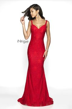 946828bfba46 Simple lace dress that features a tank style neckline, low back, and  sweeping train