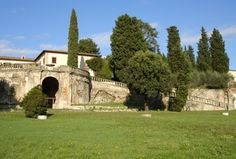 This B is located in the ancient villa Lappeggi at few km from the centre of Florence in the middle of Chiantishire. The villa of considerable historical and cultural importance, was property of well-known and powerful florentine family: the Medici...to be continued on the website..