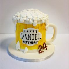 A beer shaped cake Small Birthday Cakes, Themed Birthday Cakes, Themed Cakes, 40th Birthday, Beer Mug Cake, Beer Cupcakes, Fathers Day Cake, Minnie Cake, Sweet Cakes