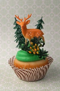 deer in the forest cupcake