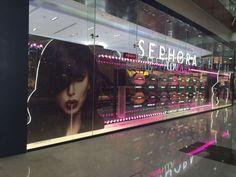 Check out the Huda Beauty Windows at Sephora in Dubai Mall! Rose Gold Texture, Huda Beauty Makeup, Healthy Hair Tips, Pop Display, Makeup Store, Dubai Mall, Beauty Advice, Visual Merchandising, Sephora