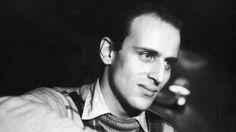 Boris Paul VIAN  - (1920-1959) - poète, écrivain, musicien français -* Poèmes : La vie c'est comme une dent - L'évadé. Juliette Greco, Boris Vian, Beatnik, Film Movie, Les Oeuvres, Filmmaking, Famous People, Che Guevara, Idole