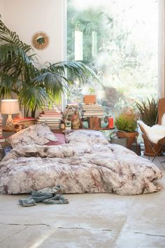Bohemian bed on floor #boho #bohemian #bedonfloor