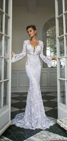 Julie Vino bridal collection offers distinctive looks of wedding gowns with the combination of modern and classic look in one piece. Wedding Dress Trends, Long Wedding Dresses, Wedding Attire, Bridal Dresses, Wedding Gowns, Wedding Ideas, Special Dresses, Bridal Fashion Week, Perfect Wedding Dress