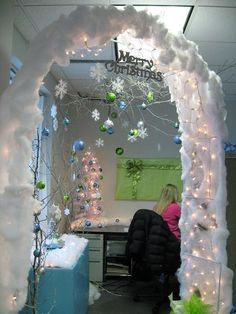 Christmas Cubicle Ideas : Christmas Cubicle Winter Wonderland Decorating Ideas Image id 47057 - GiesenDesign