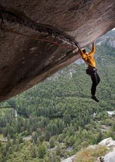 An Esquire magazine article on the Nice Boy of Rock Climbing, Alex Honnold. #climbing