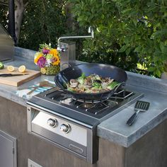 An outdoor kitchen isn't complete without a Power Burner, like this one from Alfresco Grills - so that you can enjoy the fun of cooking on a Wok outside. Modular Outdoor Kitchens, Build Outdoor Kitchen, Backyard Kitchen, Outdoor Kitchen Design, Outdoor Spaces, Outdoor Living, Outdoor Decor, Bbq Kitchen, Outdoor Cooking Area