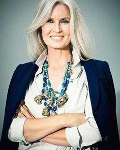 22.Hair Style for Older Women