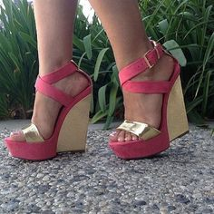 Gold and coral wedges. Cute way to dress up a casual outfit. #wedges #platform #heels