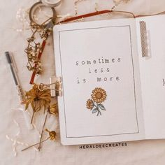 Add the floral theme to your journal with this minimalist sunflower bullet journal set-up. Be inspired with spread ideas that are perfect for beginners! Bullet Journal Stickers, Bullet Journal Set Up, Bullet Journal Banner, Bullet Journal Quotes, Bullet Journal Writing, Bullet Journal Aesthetic, Bullet Journal Ideas Pages, Bullet Journal Inspiration Creative, Bullet Journal Monthly Calendar
