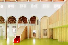 Mercado de Abastos – Alcaniz, Spain / Kayar flooring https://www.pinterest.com/artigo_rf/kayar/