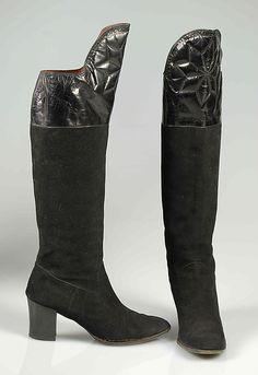 b05ff0f2694c0 Yves Saint Laurent 1972 boots Chaussure, Bottes Saint Laurent, Bottes  Vintage, Mode Des