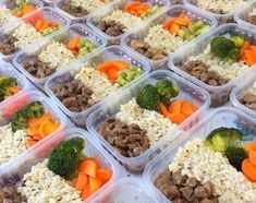 saiba mais no site Easy Healthy Meal Prep, Easy Meals, Healthy Eating, Lunch Recipes, Diet Recipes, Healthy Recipes, Boite A Lunch, Prepped Lunches, Meal Prep Bowls