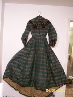 silk plaid dress with silk ribbon trim