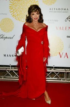 Joan Collins in red Dame Joan Collins, Jackie Collins, Old Hollywood Stars, Old Hollywood Glamour, Der Denver Clan, Famous Women, Famous People, Nyc, Celebrity Red Carpet