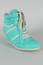 yeah.....tennis?? shoes??