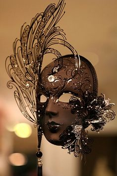 Chocolate- This is a Mardi Gras mask for me! Chocolate Fashion, Chocolate Art, Chocolate Brown, Venetian Masquerade Masks, Masquerade Party, Mardi Gras, Arte Punch, Costume Venitien, Chocolate Showpiece