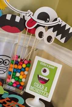 For a cute group photo op and for fun photo ops during party. Diy Fun monster smiles on sticks dramatic play idea Little Monster Birthday, Monster Birthday Parties, Birthday Fun, First Birthday Parties, Birthday Party Themes, First Birthdays, Birthday Ideas, Monster Inc Party, Halloween Party