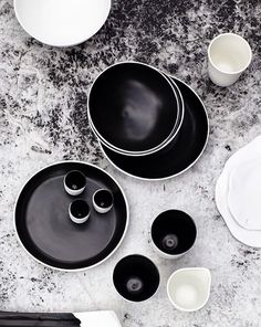 Ceramics in Black and White | Andrei Davidoff