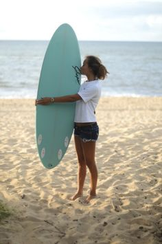 Wish that was me at the ocean with a board!
