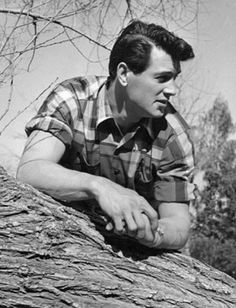 Love Those Classic Movies!: In Pictures: Rock Hudson Old Movies, Vintage Movies, Vintage Hair, Vintage Stuff, Vintage Hollywood, Classic Hollywood, Hollywood Style, Divas, Picture Rocks