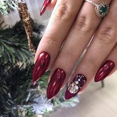 New Year's Nails Design Ideas 2019 - Page 56 of 63 - Soflyme New Year's Nails, Xmas Nails, Holiday Nails, Red Nails, Christmas Nails, Hair And Nails, New Years Nail Designs, Christmas Nail Art Designs, Cute Almond Nails