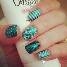#oceansprayjn #whisperjn #whitechevronjn #whitestripejn #whiteminipolkajn #alphabetjn #manicure #notd #nailart