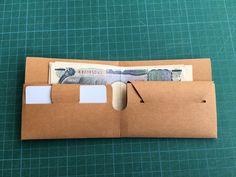折り方は写真を参考にしてください。画像をA3サイズの厚紙にプリントすれば作ることが出来ます。